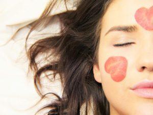 DIY Masque visage à l'eau de rose peau divine